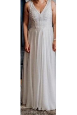 Suknia slubna z perełkami
