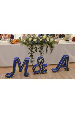 Litery ozdobne niebieskie A & M