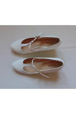 Buty ślubne białe czółenka na obcasie roz 39