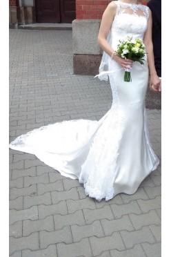 Piękna suknia La Sposa Roble z bajeczym trenem