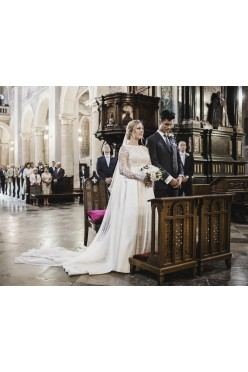 Suknia ślubna Viola Piekut z trenem i długim welonem