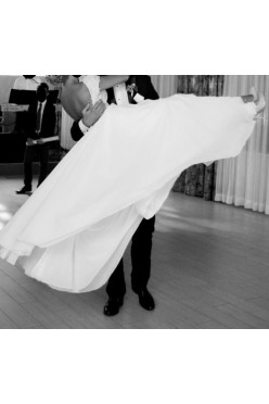 Suknia ślubna projekt Viola Piekut model Nicolol II