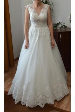 Suknia ślubna w rozmiarze 36
