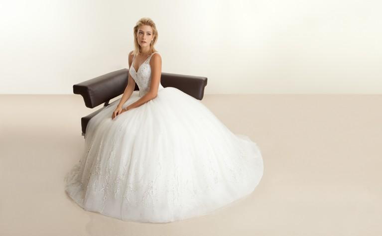 327b2cb22a Ślub Na Głowie - Suknie Ślubne  5  - Nowe Inspiracje