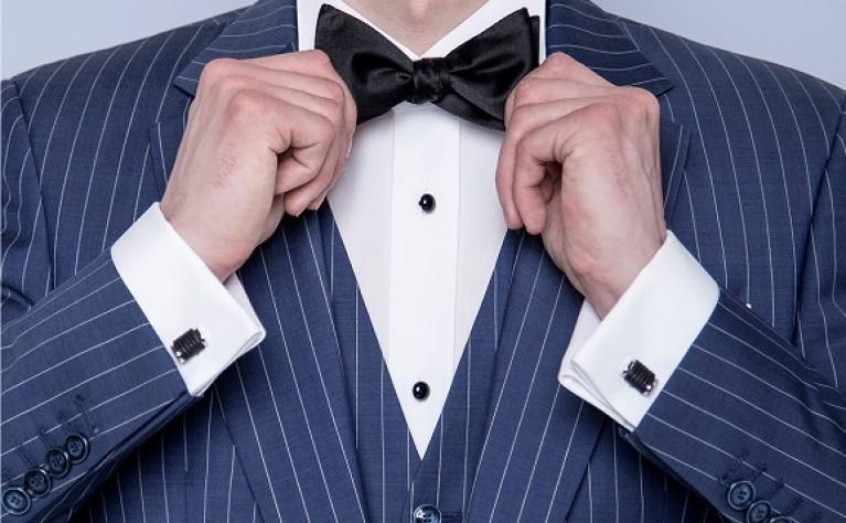 Trendy ślubne: Trzyrzędowy garnitur wraca do łask