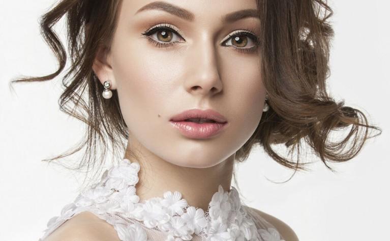 Letni makijaż ślubny - o czym pamiętać i czego unikać