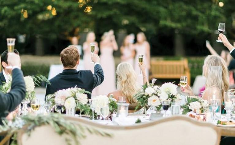 Najważniejsze zasady weselnych toastów