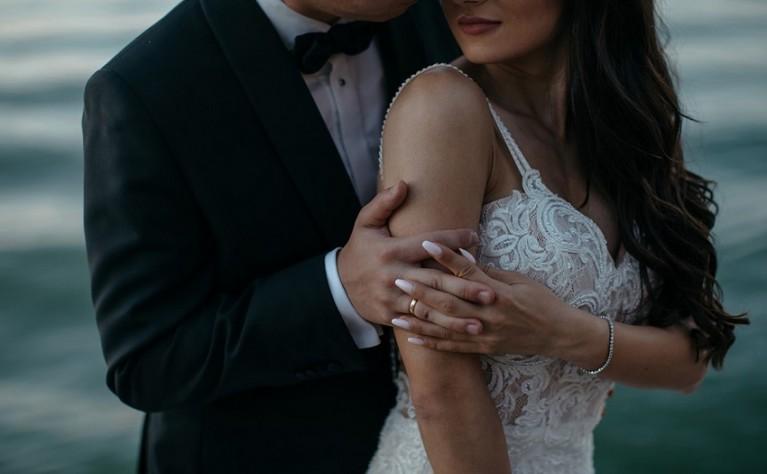 Modowe trendy ślubne na wiosnę i lato 2019