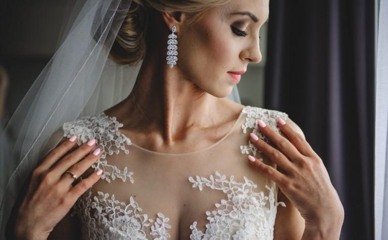 Inne rodzaje Jaki dekolt ma mieć Twoja suknia ślubna? PI13