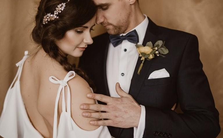 Ślubne sesje zdjęciowe: 3 najlepsze wskazówki