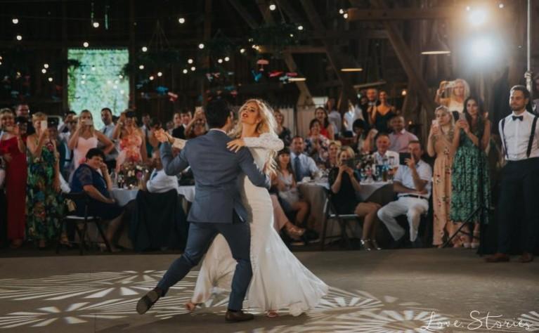 10 numerów które porwą do tańca tłumy na Twoim weselu