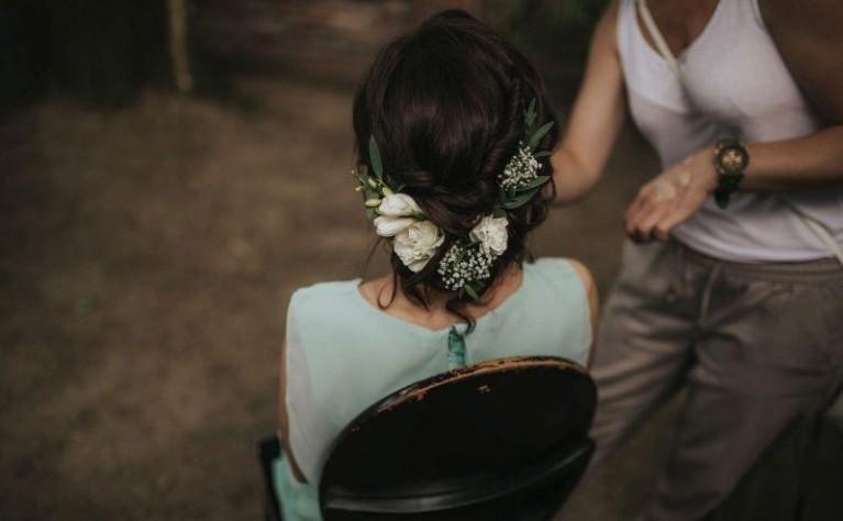 Fryzura ślubna Z Kwiatem ślub Na Głowie