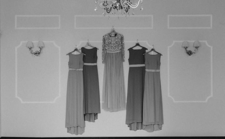 6cfbc6fcae Poniżej wyliczamy 5 najczęstszych błędów jakie kobiety popełniają podczas  doboru stroju na wesele.