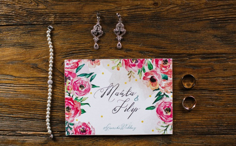 5 porad dotyczących biżuterii ślubnej
