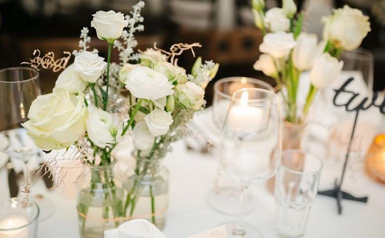 Oryginalna dekoracja sali weselnej – inspiracje