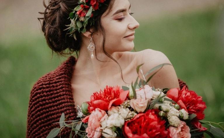 8 sekretów dotyczących włosów, które każda panna młoda powinna poznać przed ślubem