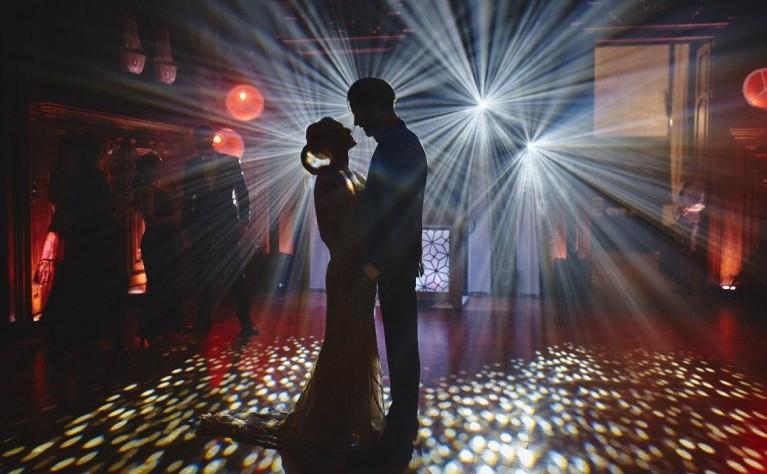 Jak tańczyć na weselu: kilka prostych zasad