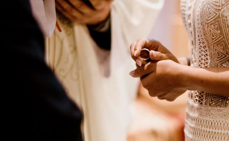 Ślub kościelny jednostronny, jak odpowiednio się do niego przygotować?