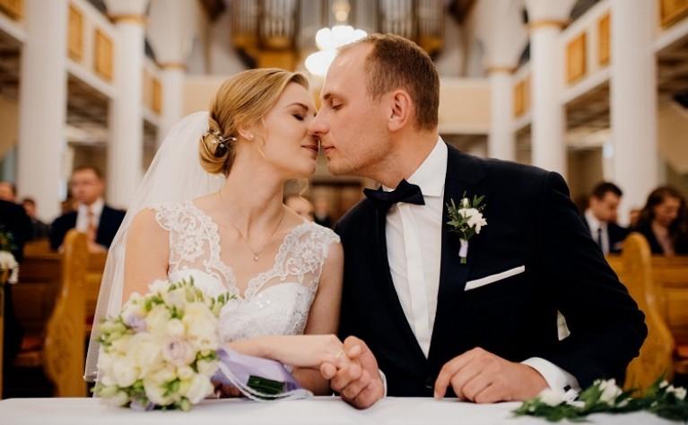 Jak wybrać dobrego fotografa ślubnego i o czym trzeba pamiętać?