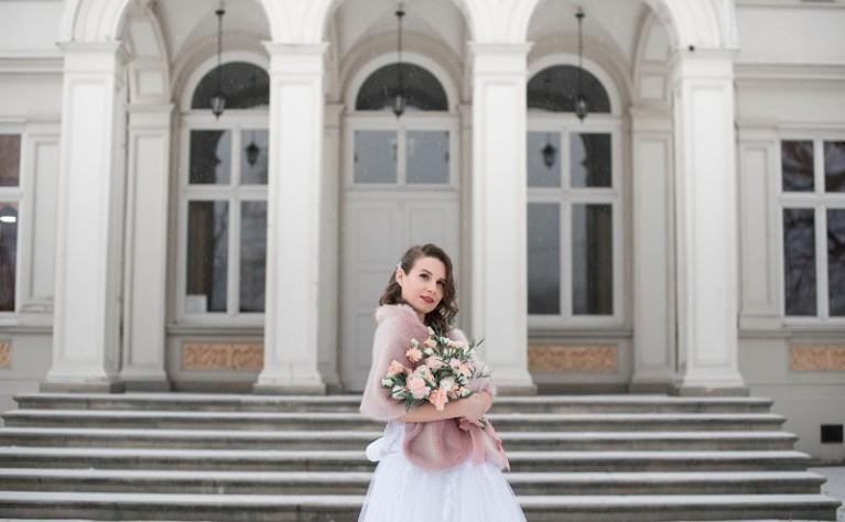 Wielka Wyprzedaż Sukni Ślubnych z Drugiej Ręki - Wiecznie Biała