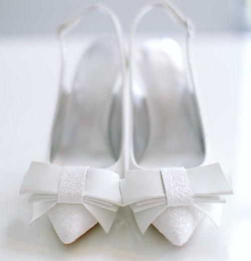 Kiss Wedding Shoes   Ella brokatowa biel