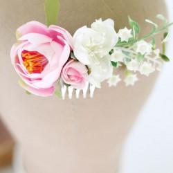 Różowy grzebyk ślubny do włosów