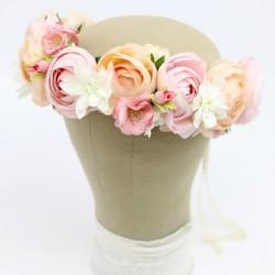 Wianek ślubny ze sztucznych kwiatów
