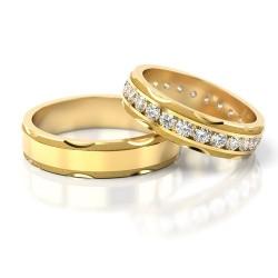 Złote obrączki ślubne z cyrkoniami