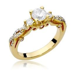 Złoty pierścionek zaręczynowy z brylantami 0,84ct