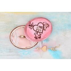 Różowe pudełko na obrączki, z ptaszkami