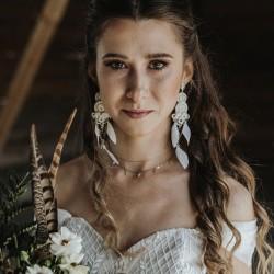 Lace Me - kolczyki ślubne z piórkami