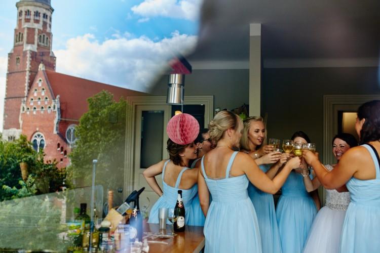 Jak lepiej zorganizować wesele – samej czy z pomocą?