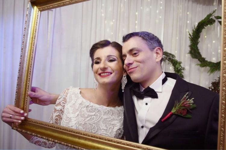 Kasia i Janek i ich uroczy ślub z świątecznymi dekoracjami w tle ♥