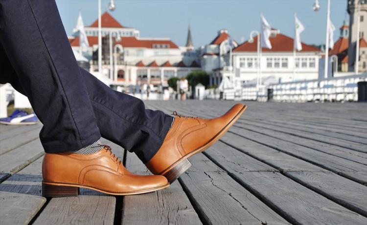 Jakie buty na niskich mężczyzn?