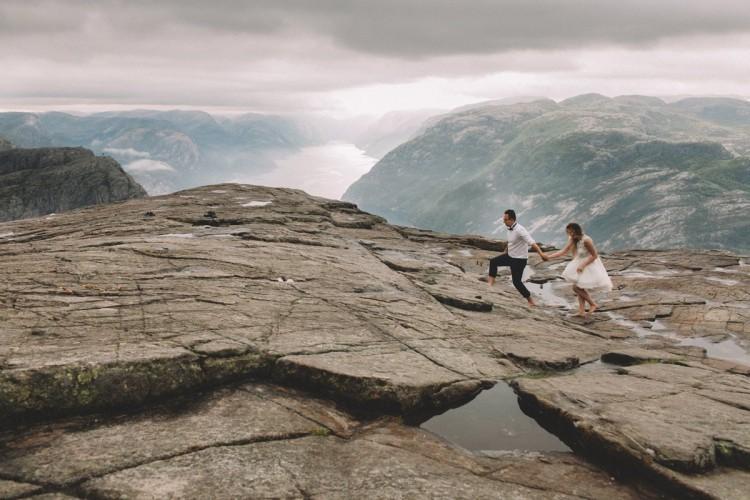 Magdalena i Łukasz – plener ślubny na Preikestolen w Norwegii
