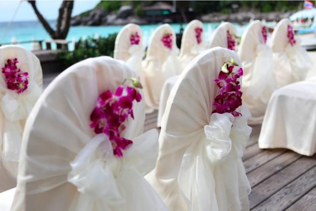 Storczyki w bukiecie lubnym i weselnych dekoracjach for Adornos para bodas con plantas