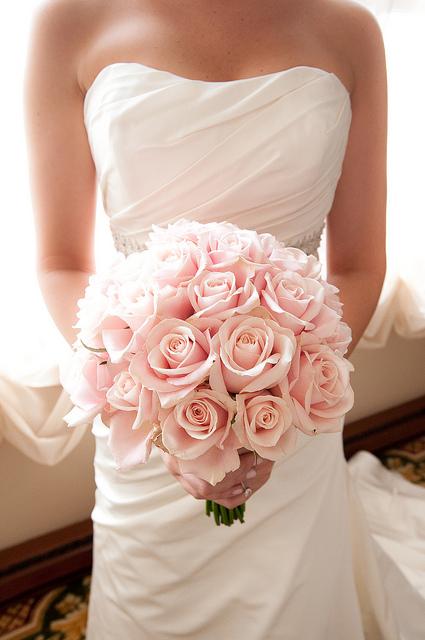 bukiet slubny pudrowy roz