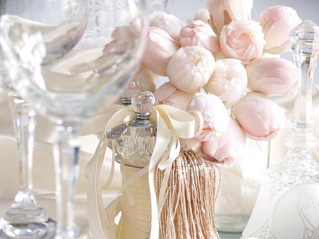 pudrowy roz dekoracje wesele slub