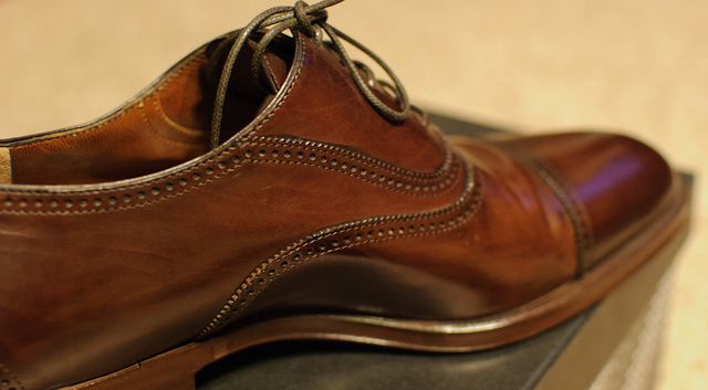 How To Wear Light Tan Color Shoes