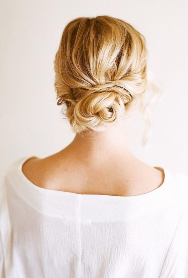 Szukasz Idealnej Fryzury Na Swój ślub Niski Kok Zwany Hiszpańskim