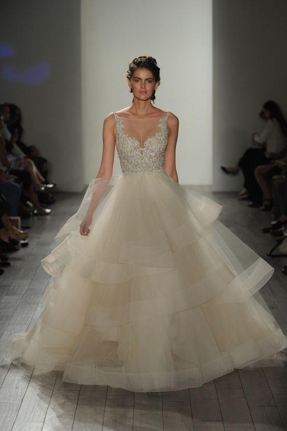 77817608ce źrodło  pinterest.com   suknia  Lazaro