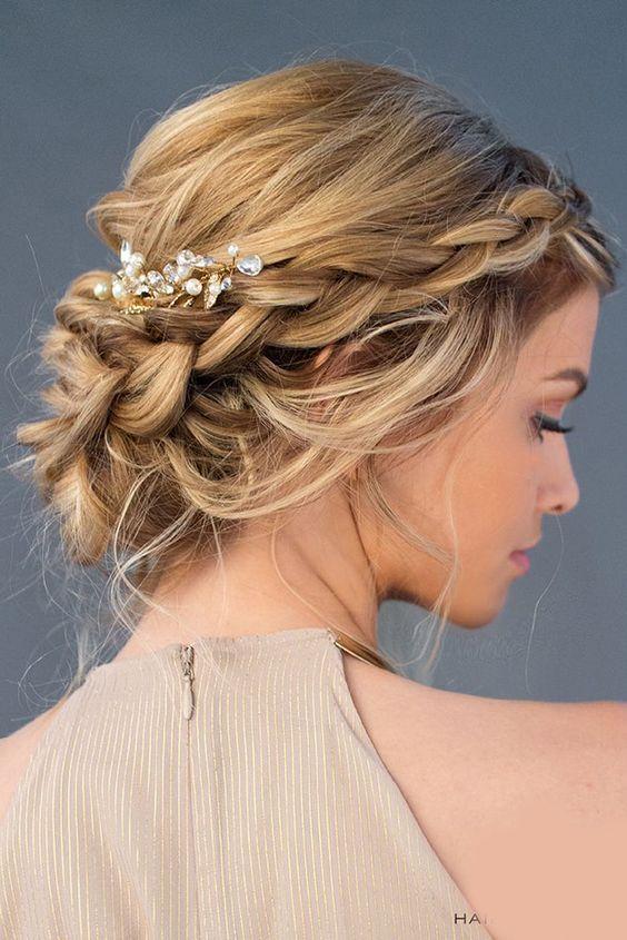 Fryzury ślubne Dla Panien Młodych O Półdługich Włosach Jakie