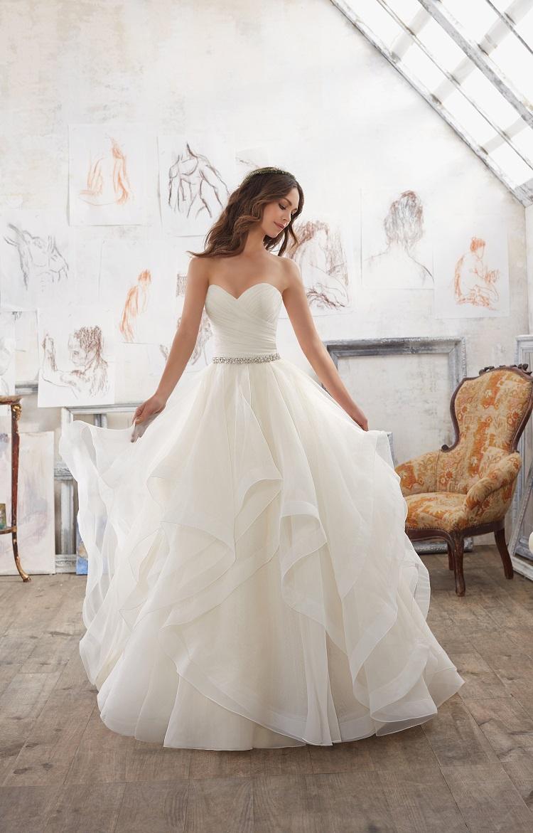 55453c901b Wszystko co powinnaś wiedzieć o wypożyczeniu sukni ślubnej!