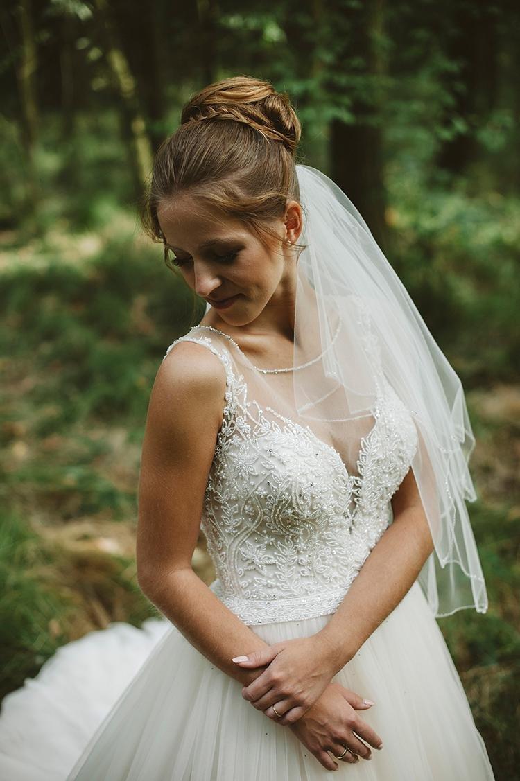 Fryzura ślubna Z Grzywką