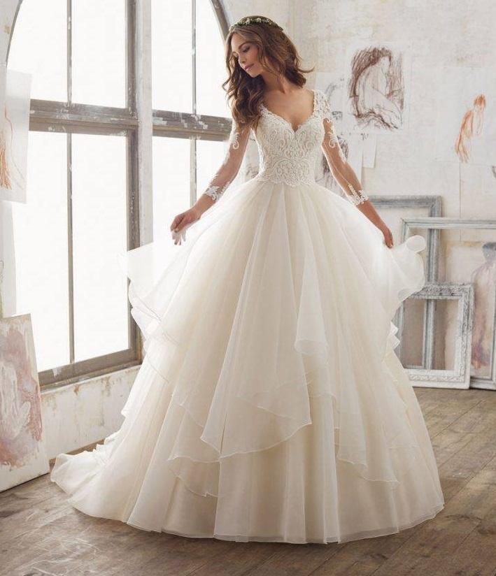 19b7c0d3a7 Suknia ślubna typu princeska